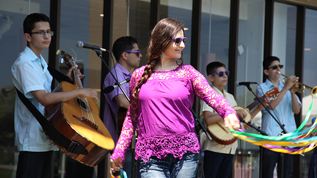 Cielito Lindo performed at Lunch on the Lake in 2018.