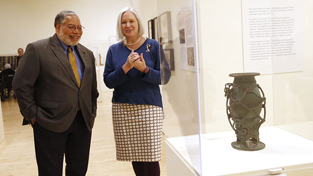 Lonnie Bunch visits the Block Museum of Art