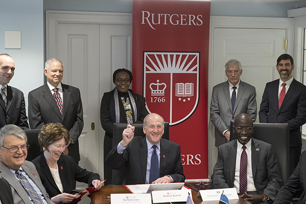 Rutgers Today - President Barchi Signs Botswana Agreement
