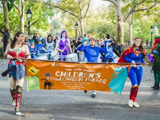 Halloween_parade_in_Washington_Square_Park