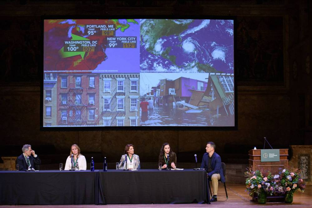 It's Getting Hot Out There … Weird Weather and Other Climate Change Anomalies panel on stage