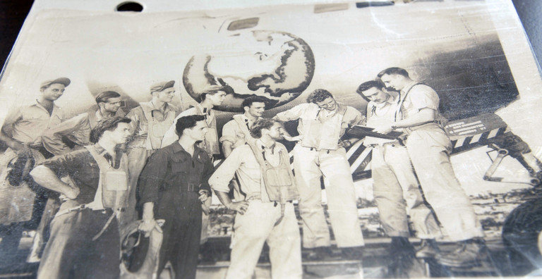World War II plane and flight crew