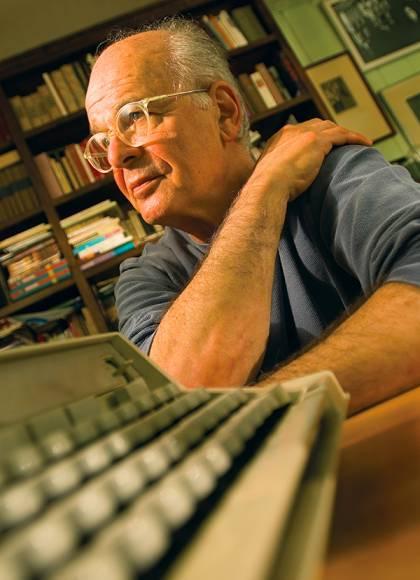 Stephen Dixon with typewriter