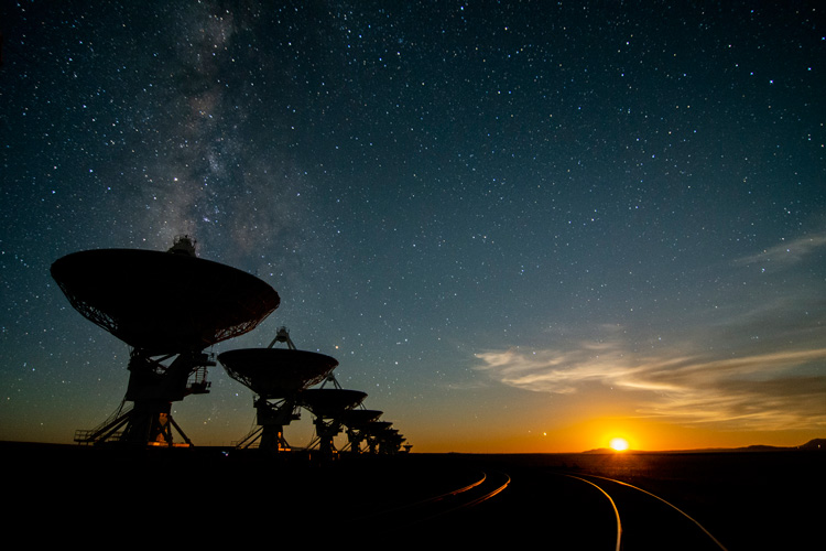 Moonset photo of Very Large Array