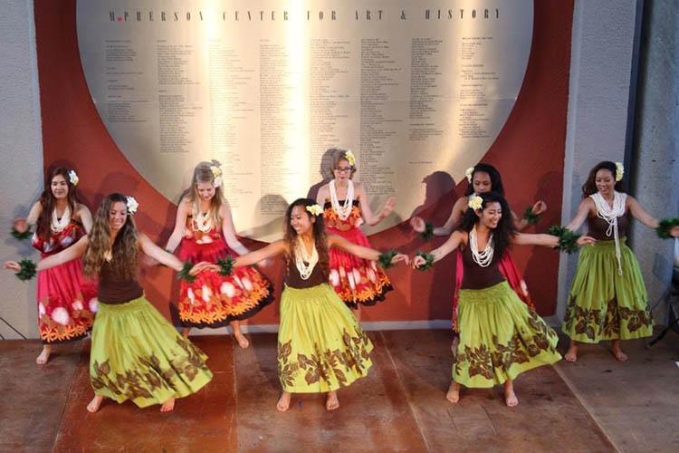 Katalina Cortez dancing hula